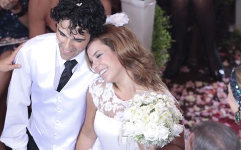 Dr. Eduardo e Thaísa oficializam união (TV Globo/ Ti-ti-ti)