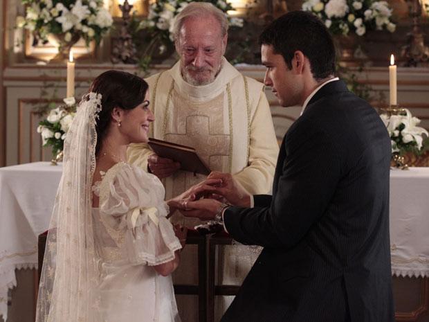 Marcos promete amor eterno a Natália