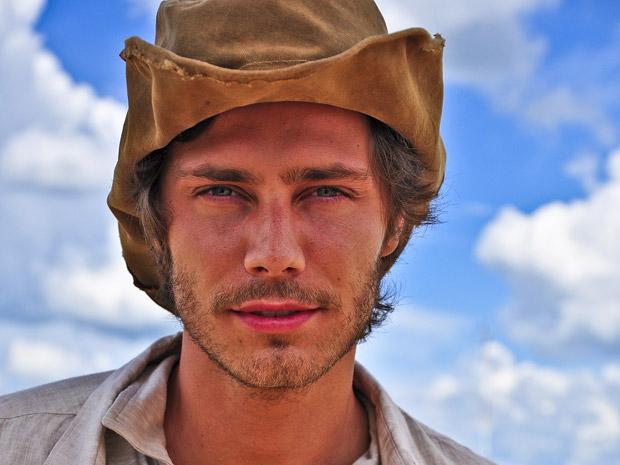 André Bankoff será o caçador de dinossauros Tiago