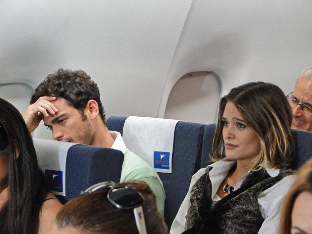 Valquíria e Érico não acreditam que estão indo viajar lado a lado
