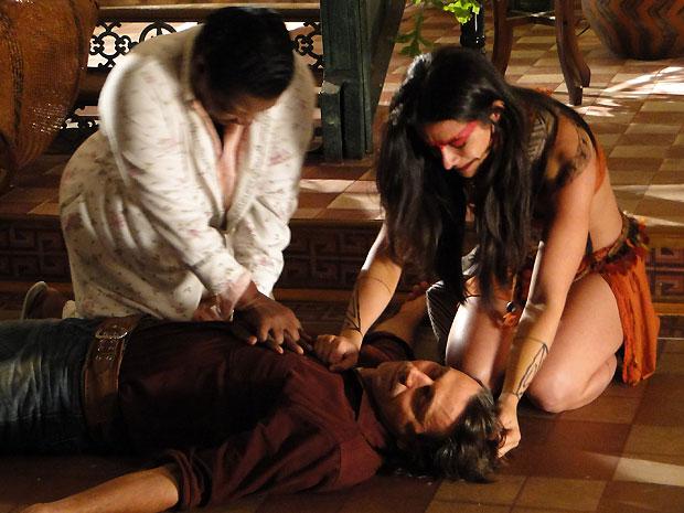 """Estela chora e implora: """"Não morre! Não morre!"""""""