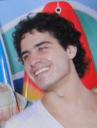 Julinho vira surfista em Saquarema (Ti-ti-ti/TV Globo)