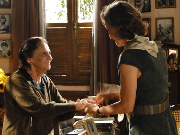 Mariquita relembra momentos de Antoninha e conta para amélia
