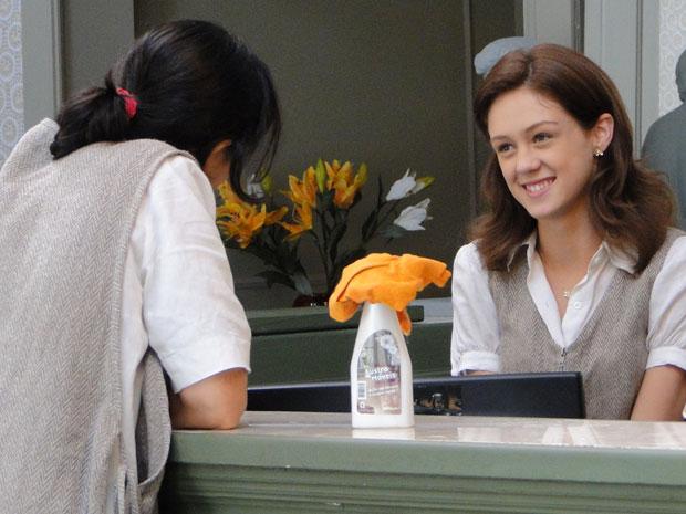 Márcia revela para Dulce que vai entrar em contato com a faculdade de Guilherme