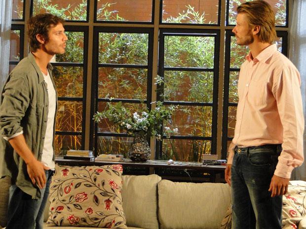 Fernando tenta convencer o irmão a ajudá-lo