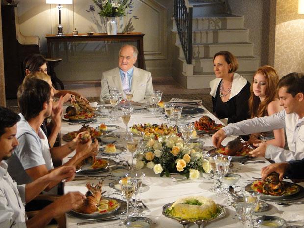 Minerva oferece banquete, com direito à lagosta