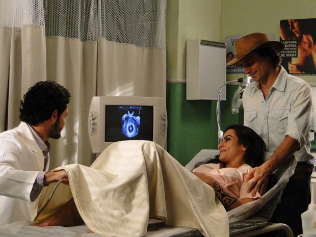 Reta final: Estela (Cleo Pires) faz a primeira ultrassonografia