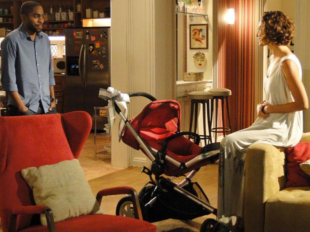 André compra carrinho para o filho
