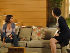 Wanda reage ao descobrir que Léo está no Rio de Janeiro