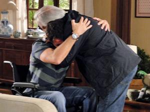 Raul se despede do filho