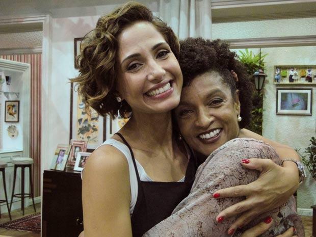 Camila e Elisa se reencontram no estúdio