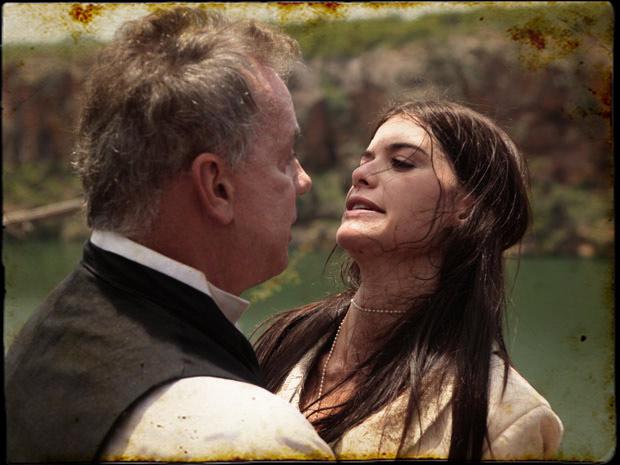 Nicolau encontra a rainha tentando fugir