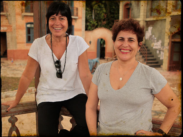 Thelma Guedes e Duca Rachid na cidade cenográfica de Brogodó
