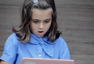 Tonica fica encantada com o laptop