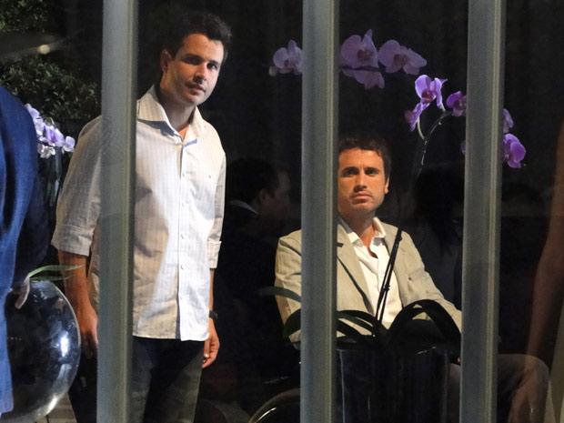 Pedro pede a Nando para ir embora