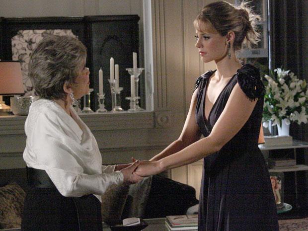 Marina está decepcionada com Pedro e desabafa com Vitória