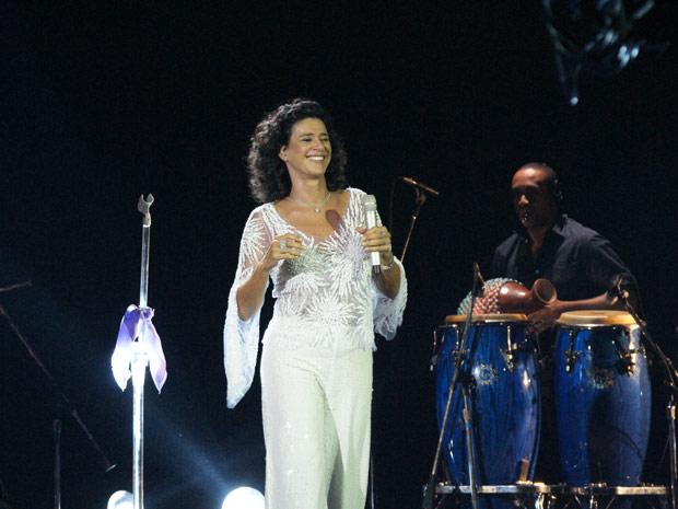 Simone cantou tema de André, o sucesso 'Love'