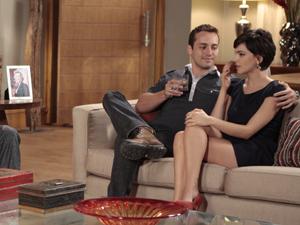 Ao lado de Paula, Eduardo conta sobre seu trabalho