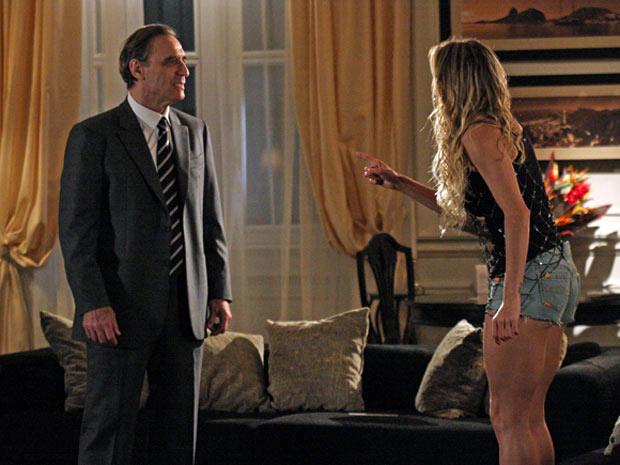 Natalie diz que fez tudo por amor, mas não convence o banqueiro