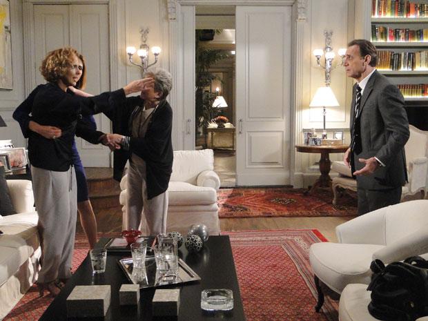 Abrigada na casa de Vitória, Clarice é surpreendida pela visita de Horácio Cortez