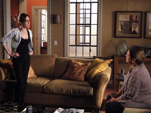 """Eunice não concorda com a atitude da mãe: """"Você esclerosou de vez!"""""""
