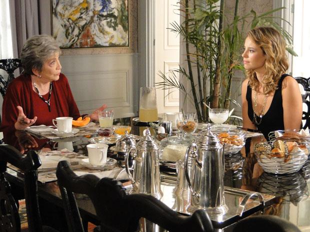 Vitória quer empregar Pedro, mas Marina acha que ele não vai gostar