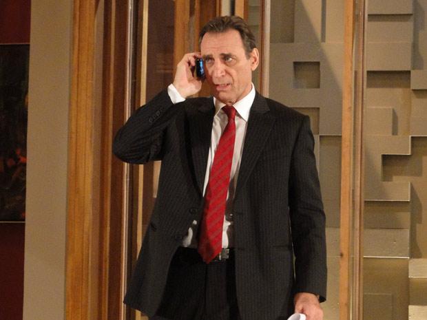 Horácio Cortez telefona para Wagner e avisa que foi chamado para depor novamente na Polícia Federal