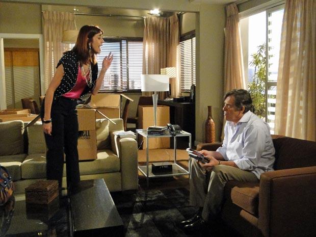 Bibi chama o pai de louco após descobrir que ele vendeu seu apartamento para financiar o show de Fabíola