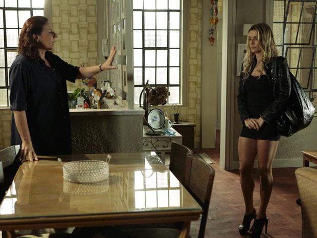 Haidê cumpre seu papel de mãe e impede que Natalie vá ao enterro de Clarice