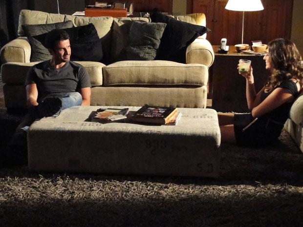 Pedro e Irene conversam, como verdadeiros amigos