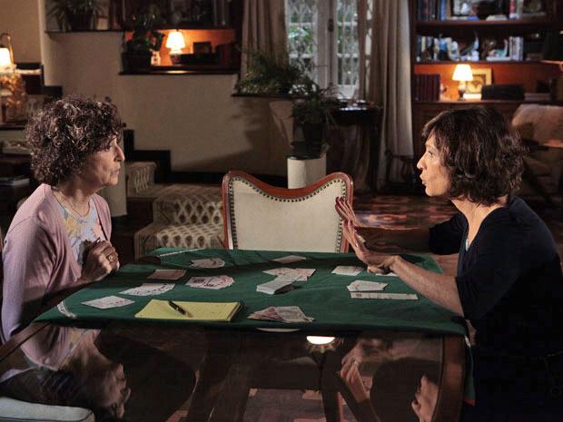 No meio do jogo, Wanda pede para se hospedar na casa de Tia Neném