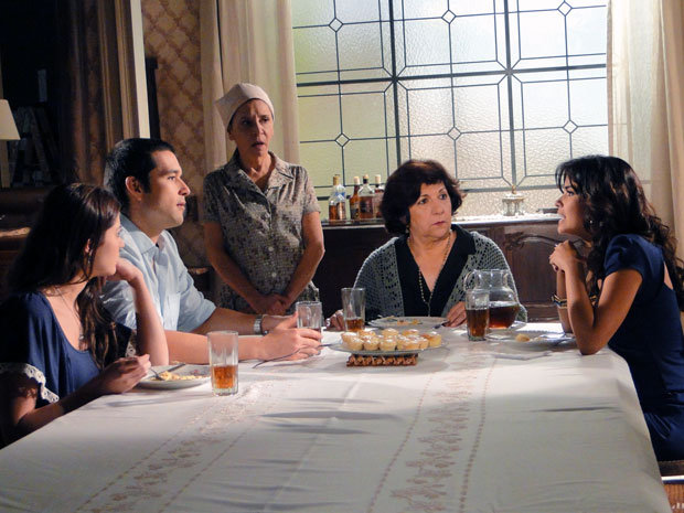 Celeste tenta convencer Salomé e Marcos a comprar a fazenda de Abner