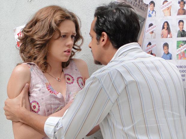 Márcia recebe ameaça de Everton e fica aterrorizada