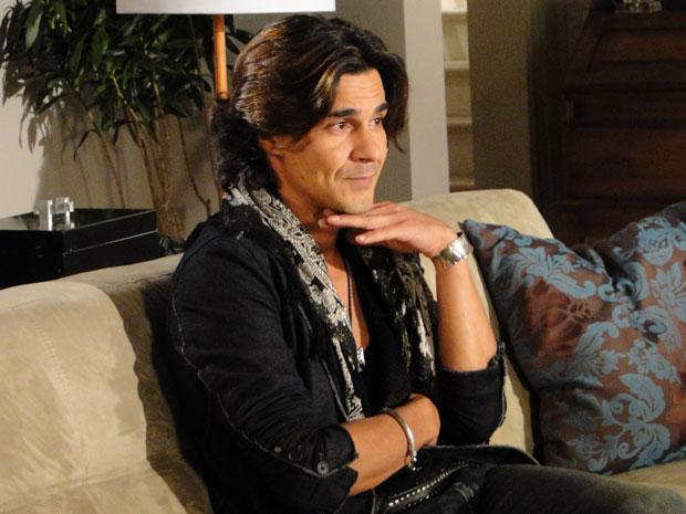 Áureo, interpretado por André Gonçalves, promete causar na trama