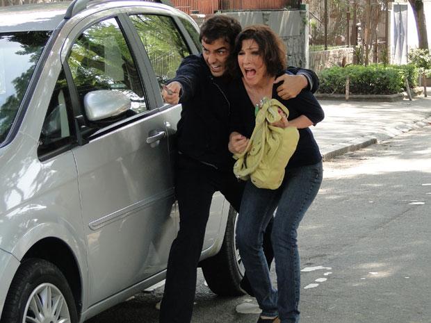 Henrique enfrenta a polícia