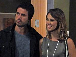 Marina defende Léo e diz que ele a salvou