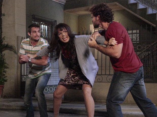 Apenas Élcio/Elaine é capaz de separar os dois brigões