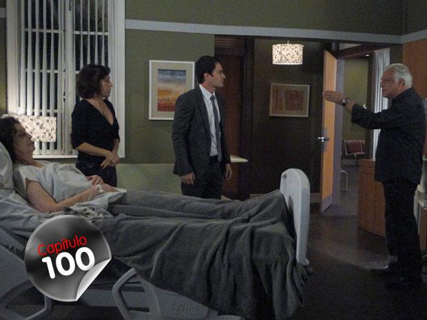 Conhecendo bem o filho, Raul quer saber qual é a relação de Léo com o assalto ao navio