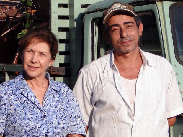 Dinorá e Nivaldo decidem deixar a fazenda de Abner