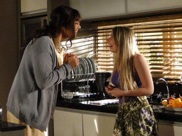 Élcio/Elaine vai ajudar Inês a namorar Caco sem Eliseu saber