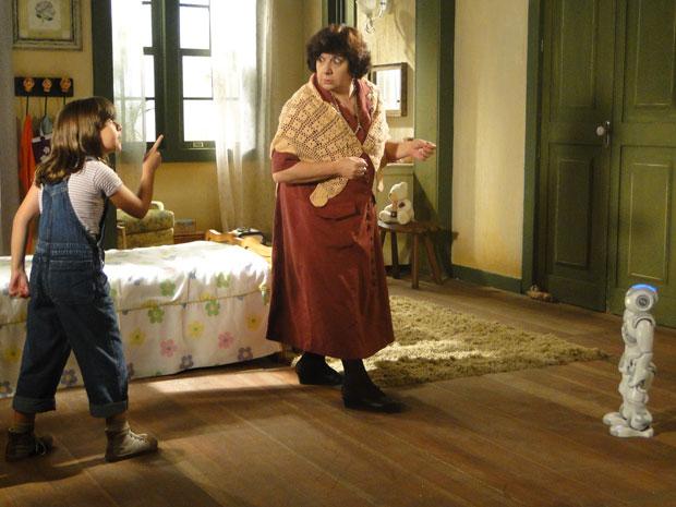 Tonica defende Zariguim após Salomé ameaçar o robô