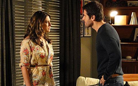 Irene revela a Pedro que está grávida dele (Insensato Coração/ TV Globo)