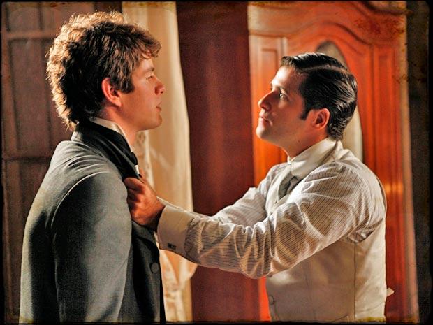 Timóteo fica revoltado ao encontrar Inácio no quarto de sua irmã