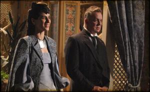 Rainha Helena chega de surpresa em Brogodó e pede para o rei voltar a Seráfia (cordelencantado/tvglobo)