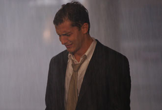 Guilherme chora depois de ser rejeitado por todos os conhecidos em Preciosa