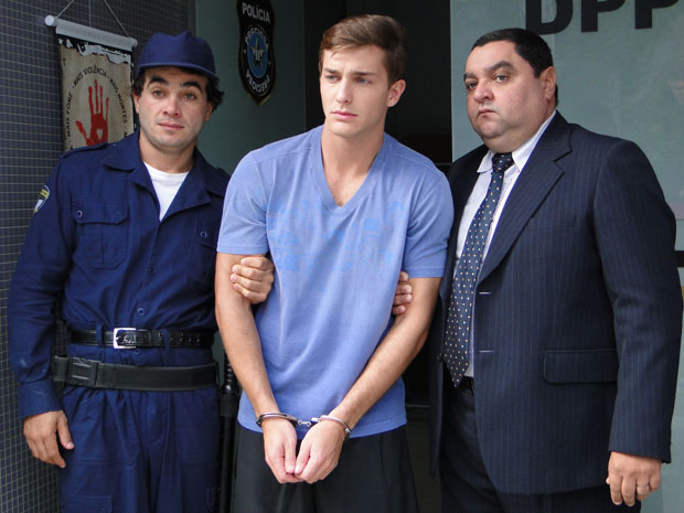 Guilherme é preso, acusado de estelionato