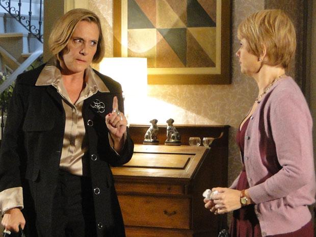 Minerva exige que Lilian doe sangue para Alice em segredo
