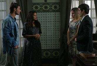 Lídia conta para padre Francisco, Tiago e Melissa sua história