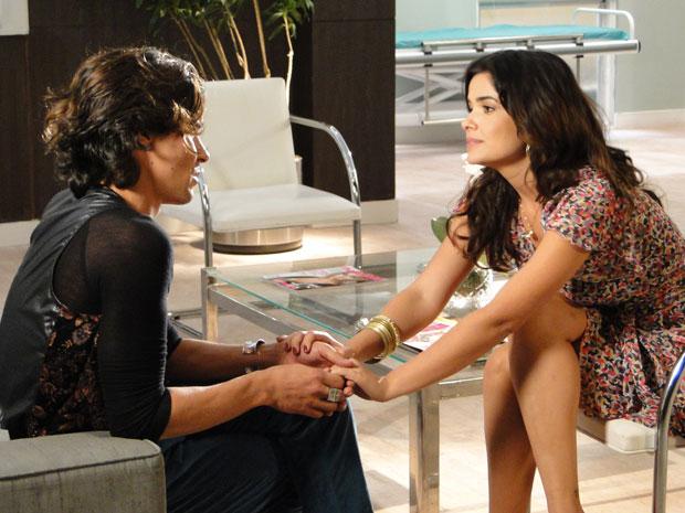 Celeste convence Áureo a ser seu namorado de mentira para provocar Abner