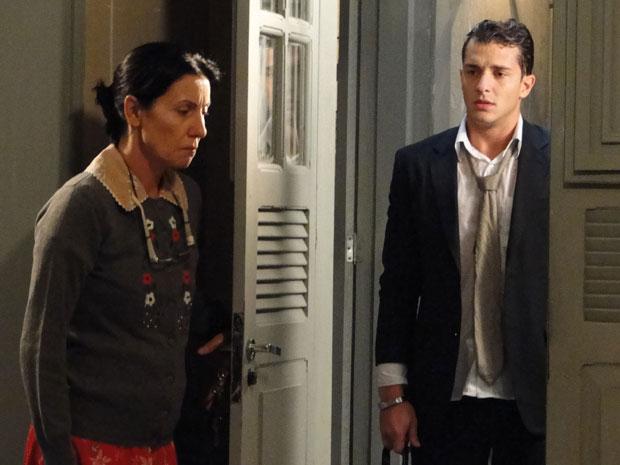 Dulce aceita Guilherme de volta em casa após descobrir sua farsa
